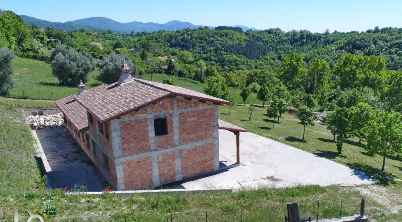 Grande-casale-a-Rocca-Sinibalda_03