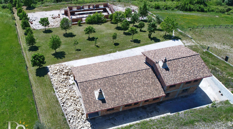 Grande-casale-a-Rocca-Sinibalda_05