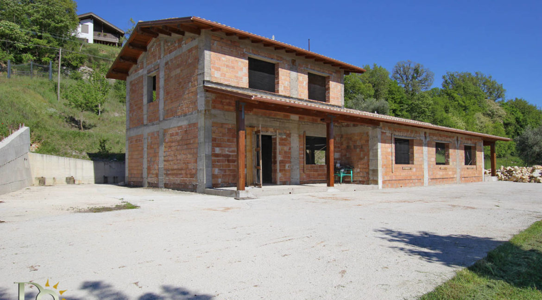 Grande-casale-a-Rocca-Sinibalda_34
